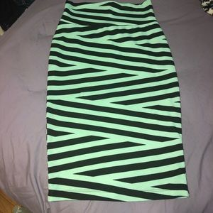 Mint and black pencil skirt